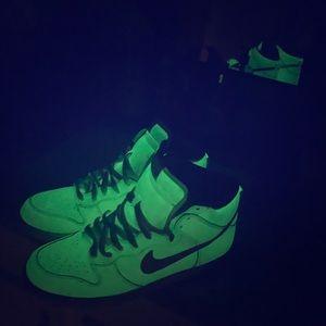 2006 Nike Glow in the Dark High Dunk